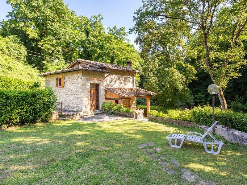 Country House / Farm House a Molezzano con 2 camere da letto e 4 posti letto, alquiler vacacional en Le Case di Risolaia