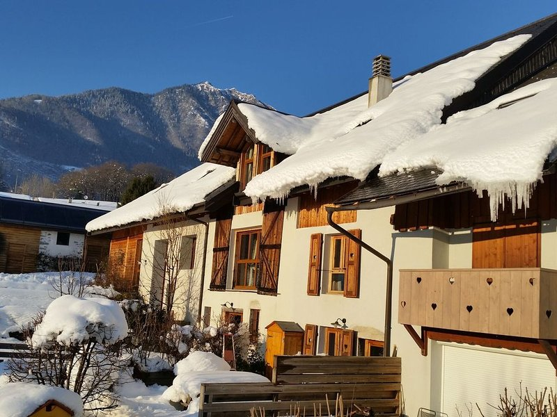 Old renovated farmhouse in the heart of the mountains, holiday rental in Gilly-sur-Isere