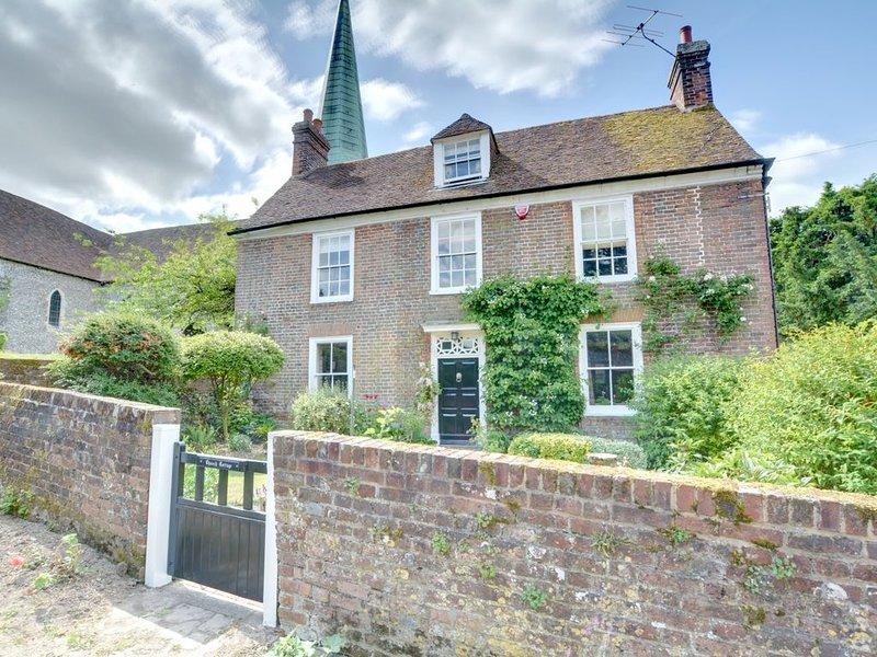 Church Cottage - Four Bedroom House, Sleeps 7, holiday rental in Bishopsbourne