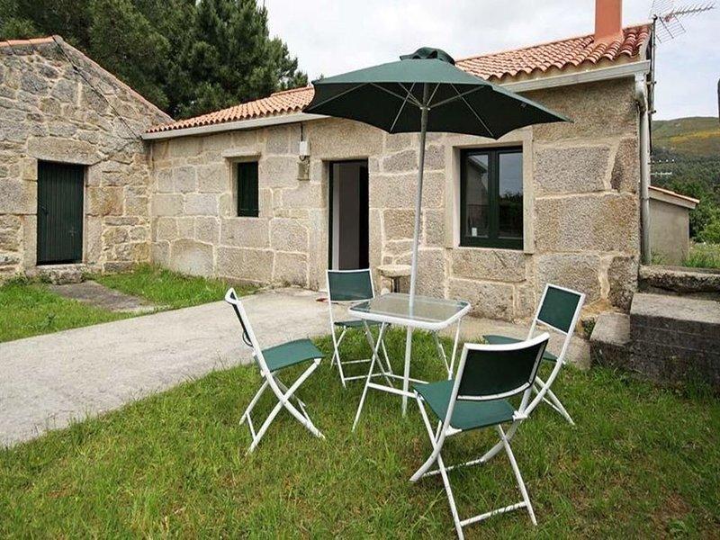 Casa - 2 Dormitorios - 102009, vacation rental in Corrubedo