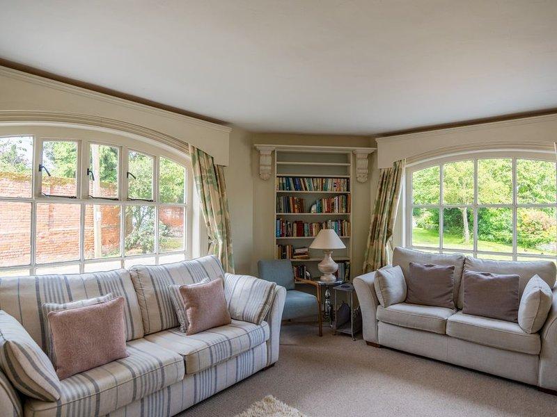 Moat Cottage - Four Bedroom House, Sleeps 8, alquiler vacacional en Butley