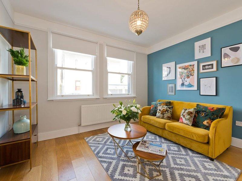Gorgeous Howth II - Three Bedroom Apartment, Sleeps 7, holiday rental in Skerries