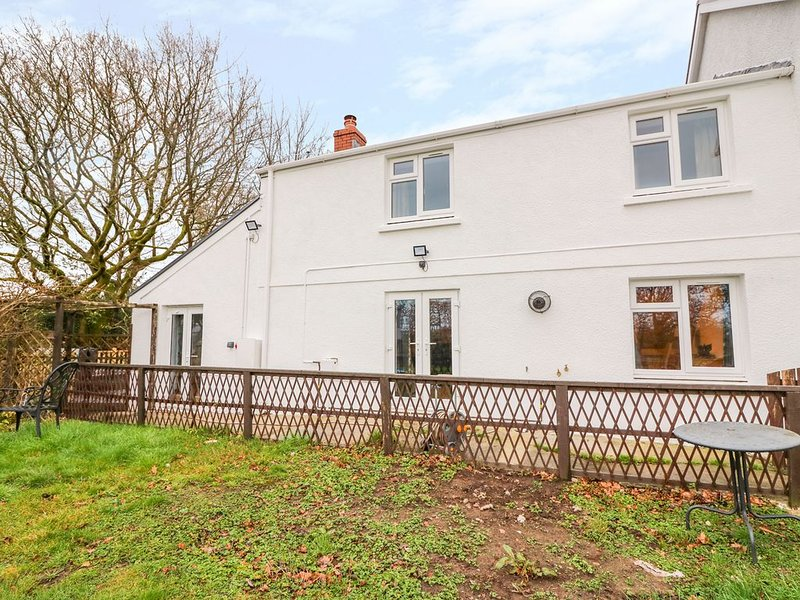 Crooked Hill Cottage, AMMANFORD, casa vacanza a Llannon