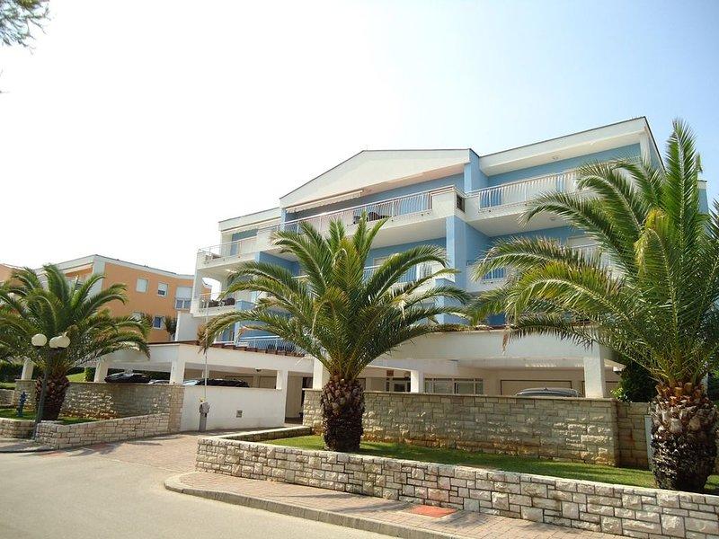 Apartment Pelargonija 431, holiday rental in Crveni Vrh
