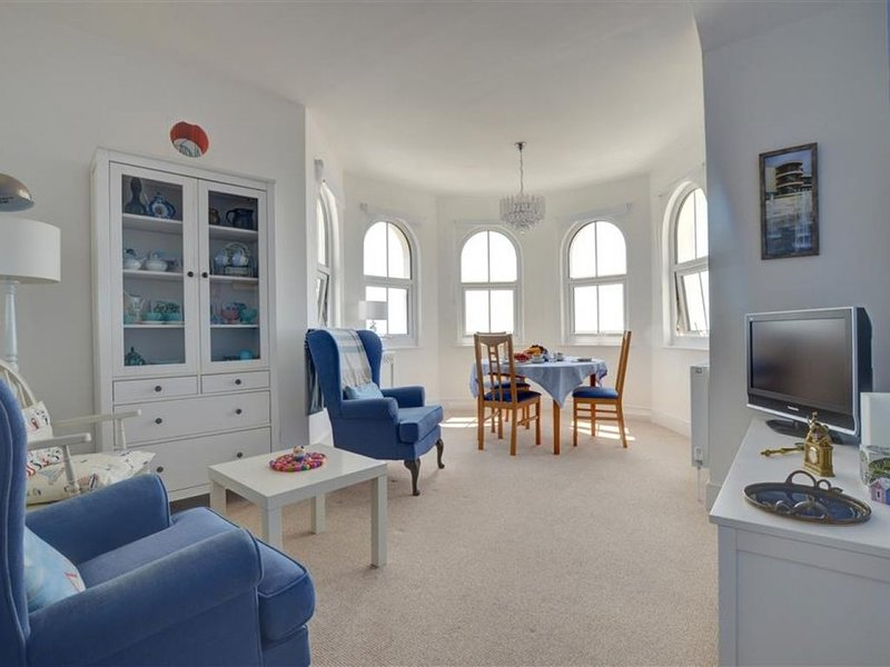 The Turret - Two Bedroom Apartment, Sleeps 3, holiday rental in Ninfield