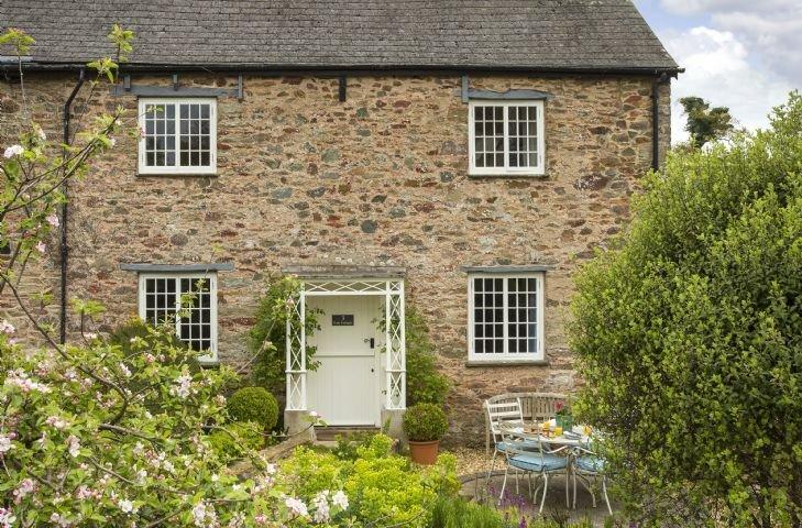 Rose Cottage sleeps five guests in the  picturesque Devon village Ashprington., alquiler vacacional en Stoke Gabriel