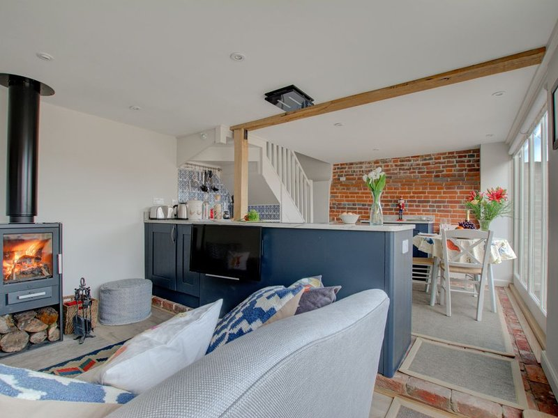 The Nut Hatch - One Bedroom House, Sleeps 2, vacation rental in Stourmouth