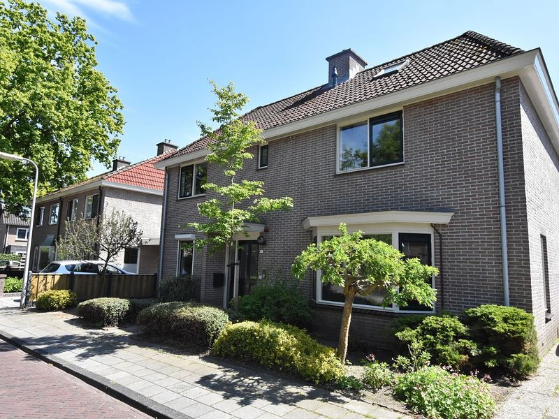 Modern Holiday Home in Dalfsen with Terrace and Garden, vacation rental in Overijssel Province