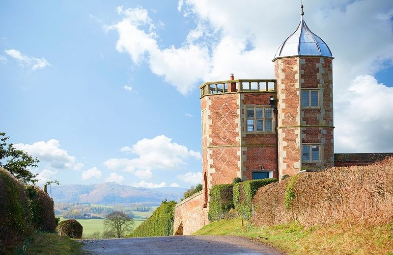 The Summer House, is a stunning historic retreat for couples, on the Raby Estate, location de vacances à Upton Magna