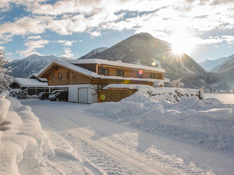 Cosy Apartment in Neukirchen near Ski Lift, vacation rental in Neukirchen am Grossvenediger