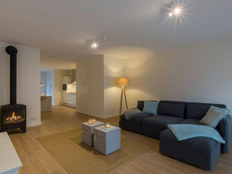 Elegant Apartment in Koudekerke with Gas Fireplace, location de vacances à Koudekerke