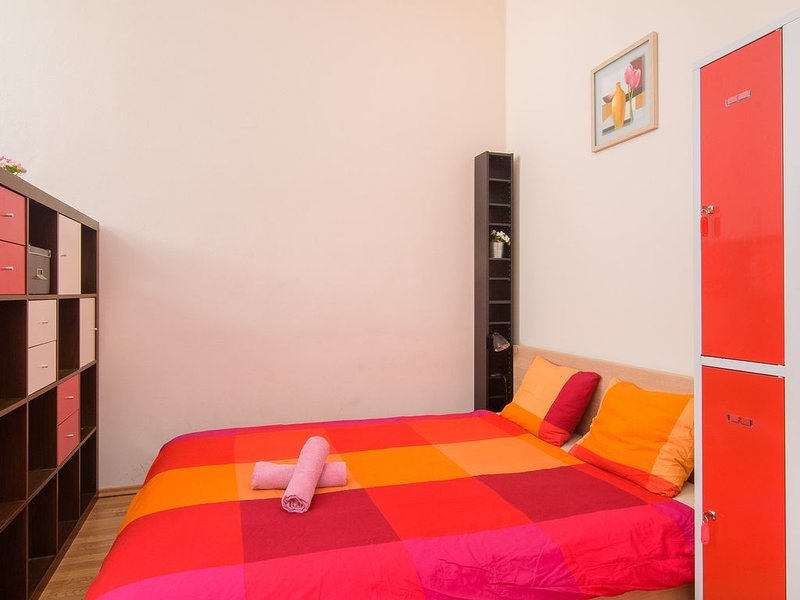 Double bed 1-2 in dormiroty room in apt. TALIA., holiday rental in Prague