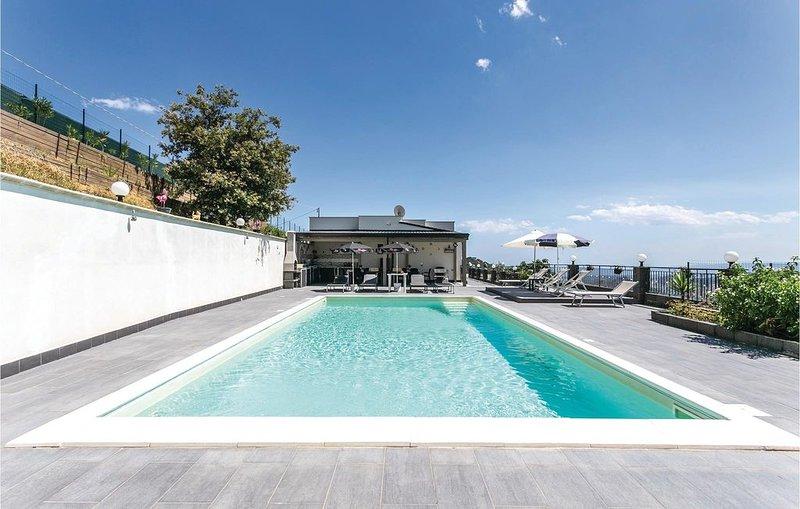4 Zimmer Unterkunft in Gaggi, vacation rental in Graniti