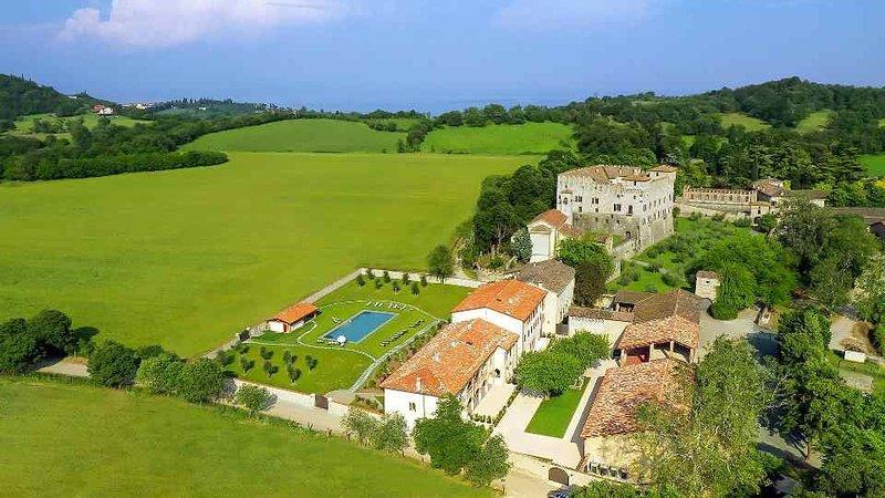 Luxusappartement mit Pool für max. 8 Personen, vacation rental in Botticino