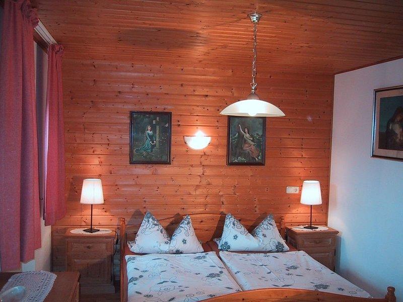 Appartement mit Balkon für 1 - 2 Personen mit herrlichem Talblick, holiday rental in Bad Reichenhall