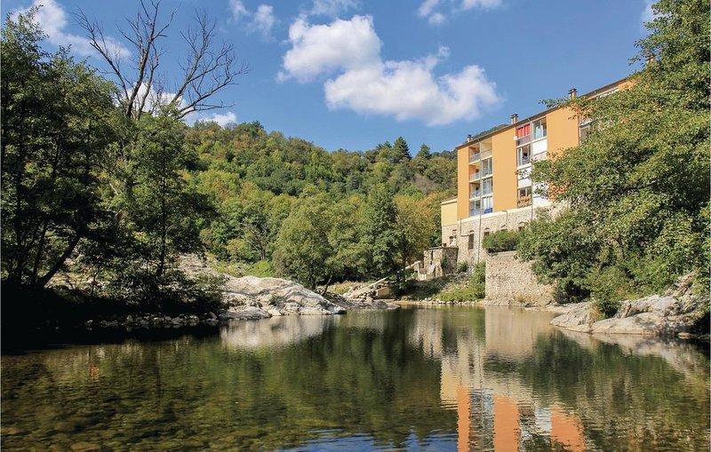 1 Zimmer Unterkunft in Vals les Bains, holiday rental in Antraigues-sur-Volane