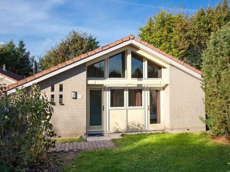 5-Personen-Ferienhaus im Ferienpark Landal Stroombroek, vacation rental in Doetinchem
