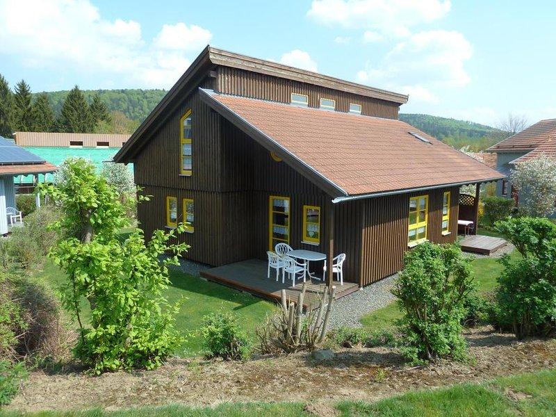 Ferienhaus Waldmünchen Ta2 70qm bis 6 Pers (11a) WLAN und Erlebnisbadnutzung ink, holiday rental in Treffelstein
