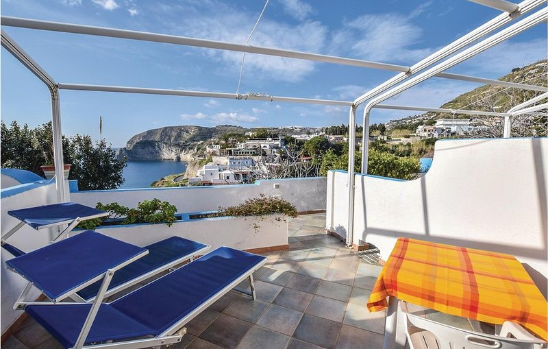 1 Zimmer Unterkunft in Sant´Angelo d´Ischia, holiday rental in Serrara Fontana