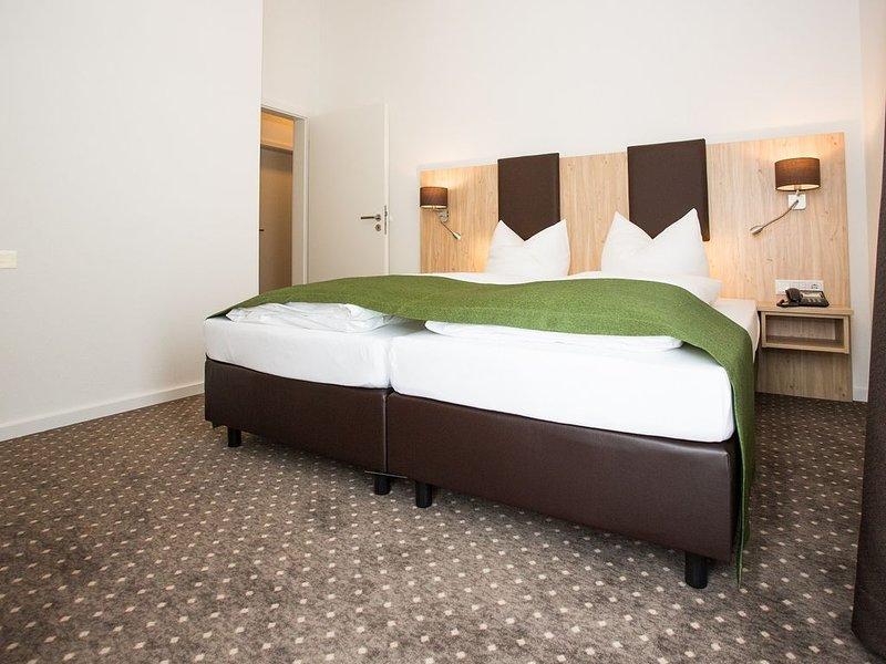 Geschmackvolle Ferienwohnung in unmittelbarer Nähe zum Donauradweg, holiday rental in Kelheim