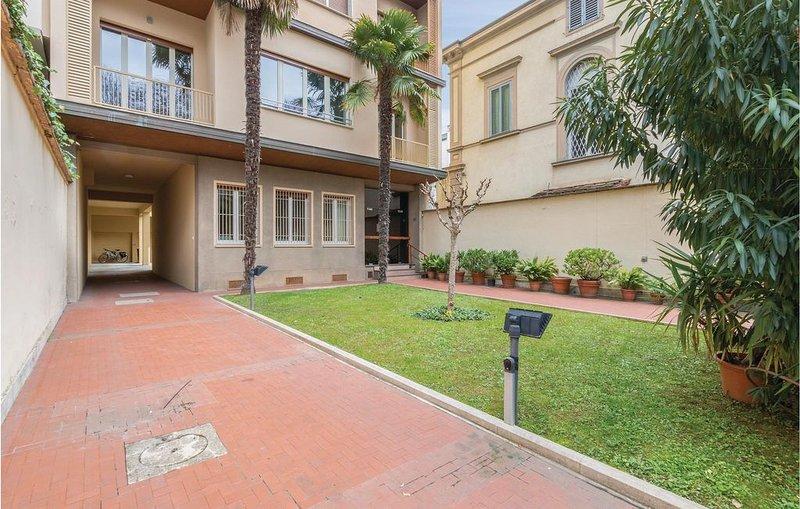 3 Zimmer Unterkunft in Firenze -FI-, holiday rental in San Martino alla Palma