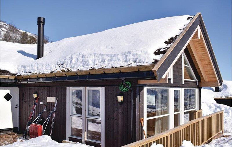 3 Zimmer Unterkunft in Norheimsund, holiday rental in Eikelandsosen
