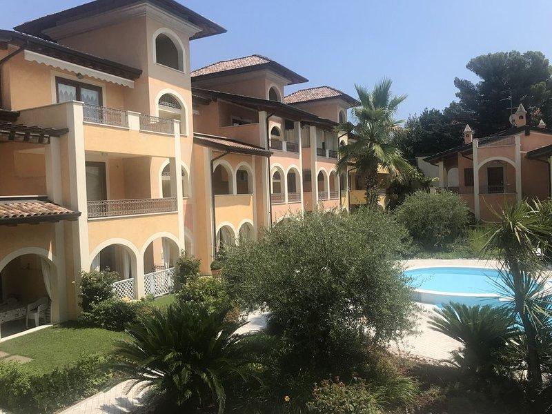 Schönes Ferienappartement direkt am Seeufer gelegen, casa vacanza a Maderno