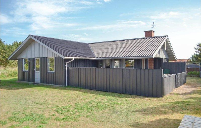 3 Zimmer Unterkunft in Hvide Sande, vacation rental in Bork Havn