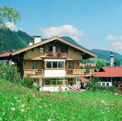 2-Raum-Ferienwohnung (1) 40qm, 2-4 Personen, Extra-Schlafzimmer, Küche, Balkon, Ferienwohnung in Reit im Winkl