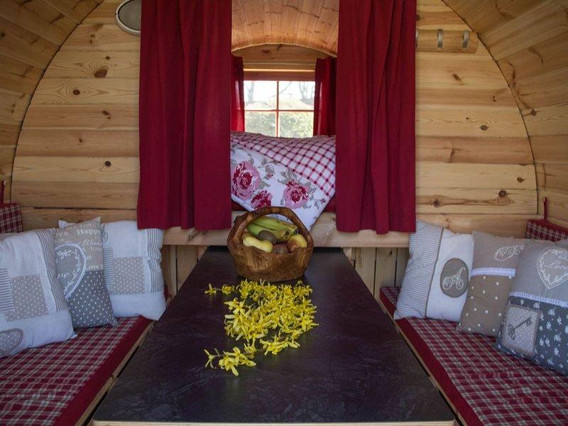 Campingfass, Schwarzwaldstil, max. 4 Personen, alquiler vacacional en Bad Wildbad
