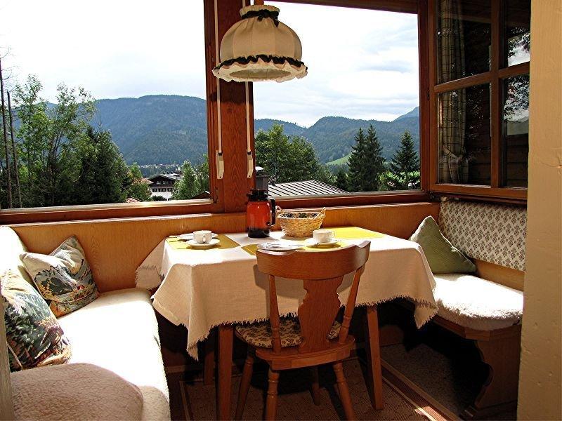Zwei-Raum-Ferienwohnung (1) 40qm, Extra-Schlafraum, Eßecke, Küchenzeile, Balkon, Ferienwohnung in Reit im Winkl