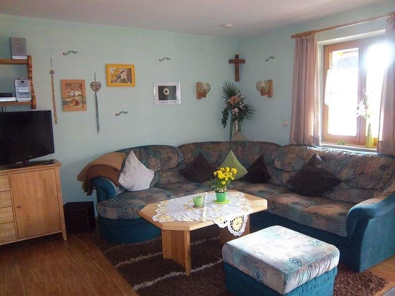 Ferienwohnung (65qm), Balkon, Küche, 2 Schlaf- u. 1 Wohnz., WLAN, max 4 P., holiday rental in Ruhpolding