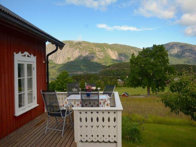 Ferienhaus in ruhiger und erhöhter Lage für 6 Personen, vacation rental in Telemark