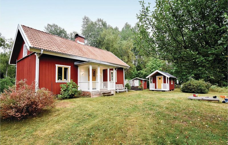 2 Zimmer Unterkunft in Älgarås, holiday rental in Gullspang