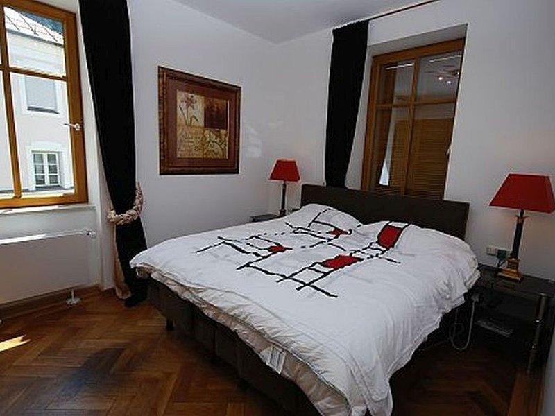 5 Sterne Villa Sophie Wohnung mit 3 Schlafzimmern und 2 Bädern, Whg 2, aluguéis de temporada em Bad Reichenhall