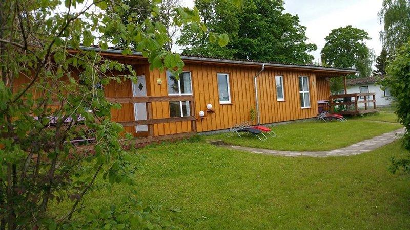 Ferienhaus Dahmen für 2 - 4 Personen mit 2 Schlafzimmern - Ferienhaus, vacation rental in Reuterstadt Stavenhagen