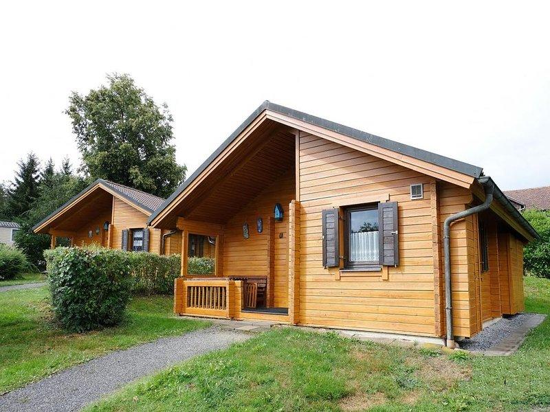 Ferienhaus Jägerpark Viechtach 20, Hallenbad, WLan und Energiekosten inklusive, vacation rental in Bogen