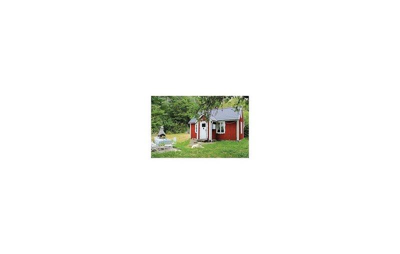 1 Zimmer Unterkunft in Bräkne-Hoby, holiday rental in Ronneby