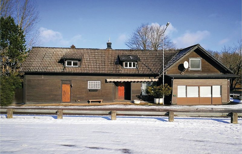 6 Zimmer Unterkunft in Knäred, vacation rental in Orkelljunga