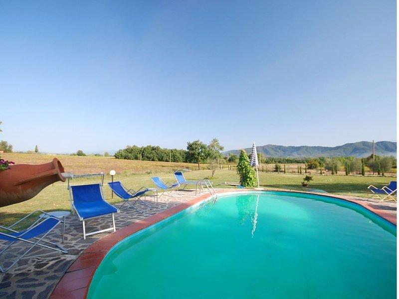 LA CASA DI CATIA ist ein familienfreundliches Toskana Ferienhaus mit Pool im Chi, holiday rental in Alberoro