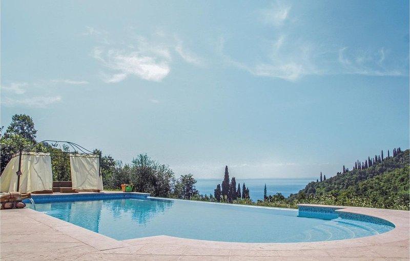 2 Zimmer Unterkunft in Garda (VR), vacation rental in Albisano