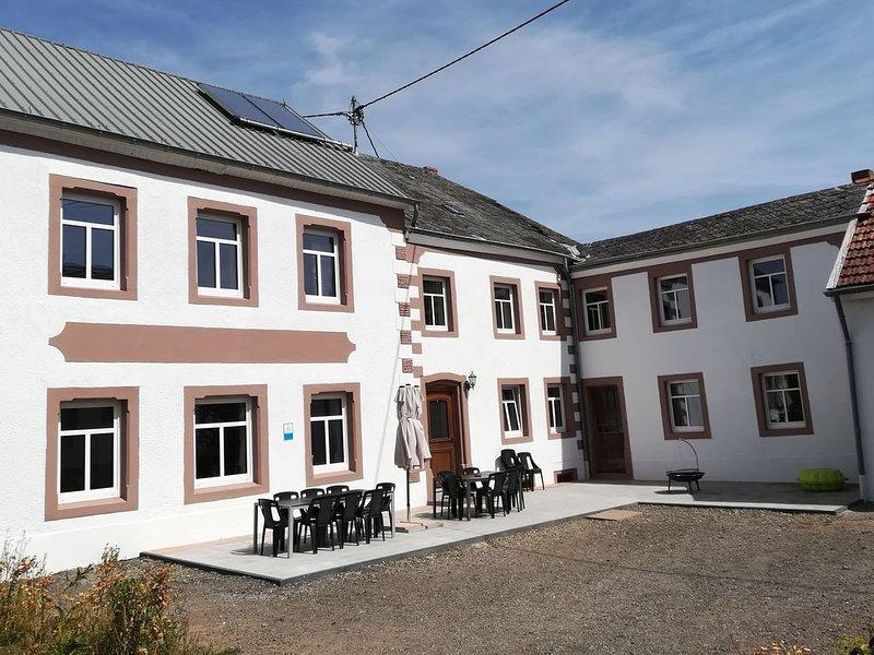 Ferienhaus Rodershausen, 390qm, 15 Schlafzimmer, max. 35 Personen, holiday rental in Luxembourg