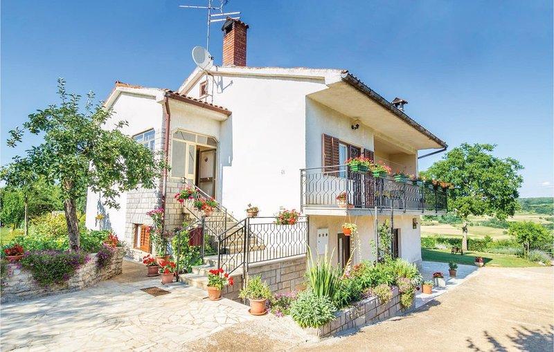 1 Zimmer Unterkunft in Groznjan, holiday rental in Vizintini Vrhi