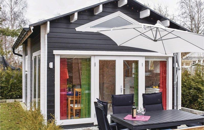 2 Zimmer Unterkunft in Trelleborg, vacation rental in Svedala