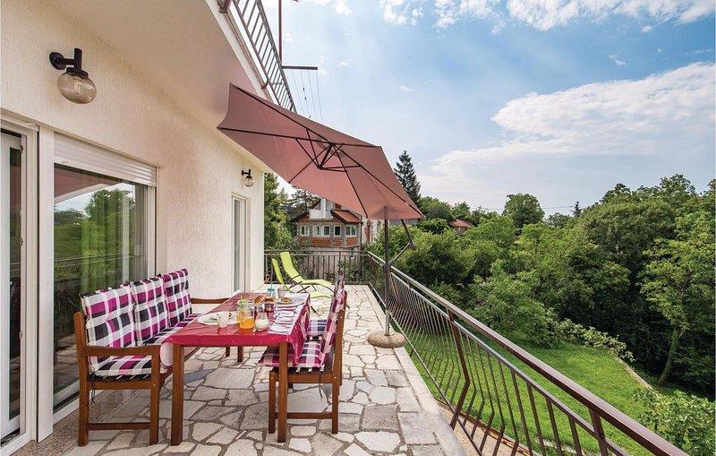 3 Zimmer Unterkunft in Jurdani, holiday rental in Pasjak