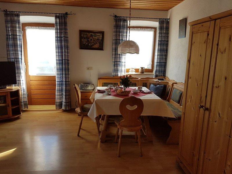 Ferienwohnung mit Balkon für 4 Personen, 45 qm, location de vacances à Trostberg an der Alz