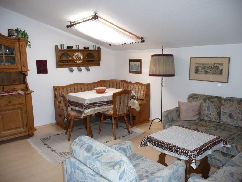 Ferienwohnung (55 qm), Balkon, Küche extra, 2 Schlafzimmer, max 3 Pers - WLAN, holiday rental in Ruhpolding