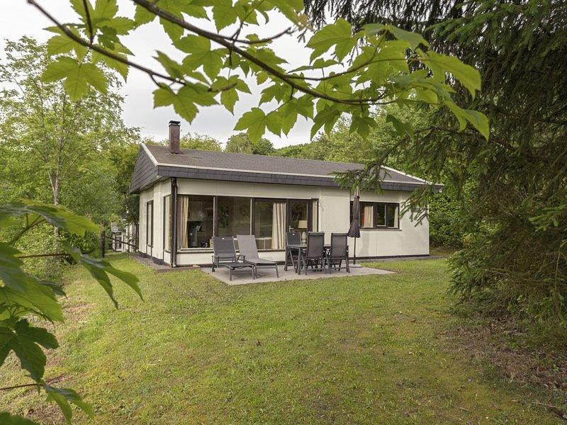 Luxus 4-Personen-Ferienhaus im Ferienpark Landal Wirfttal, holiday rental in Birgel