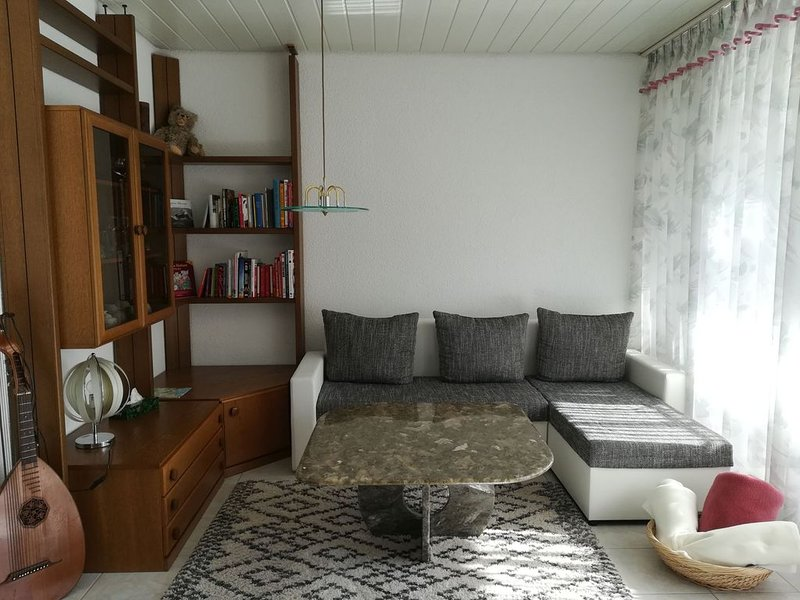Ferienwohnung, 90qm, 2 Schlafzimmer für 2-4 Personen, holiday rental in Steckborn
