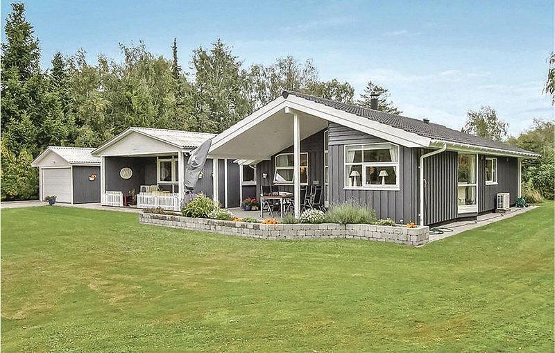4 Zimmer Unterkunft in Væggerløse, holiday rental in Nykobing Falster